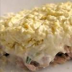 Салат «Мужская радость» из консервированной рыбы