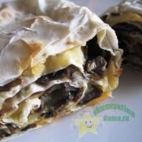 Горячая закуска из лаваша с сыром и грибами