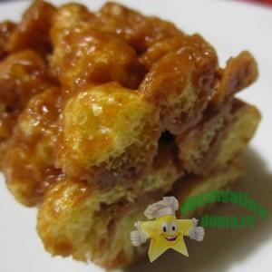 Сладкая колбаска из кукурузных палочек с ирисками