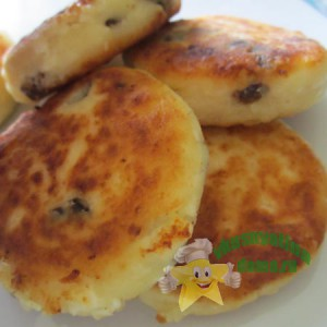 Вкусные сырники из творога с черносливом
