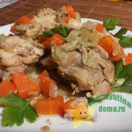 Курица тушеная с овощами в собственном соку